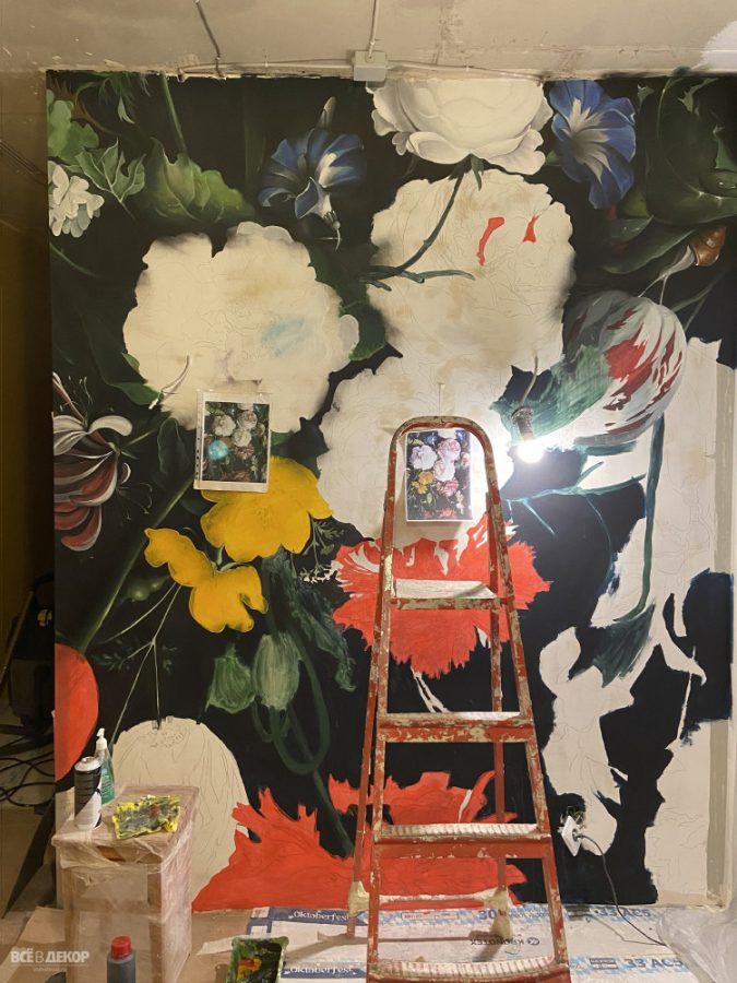 рисунок на стене цветы, роспись стены цветы, цветы на стене граффити, граффити пионы, цветы на стене роспись, нарисовать цветы на стене, пионы нарисовать на стене, роспись стен в спб, всевдекор, все в декор, vsevdecor